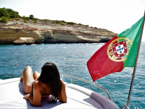 Full Day Luxury Yacht Charter - Princess V55 Motor Yacht